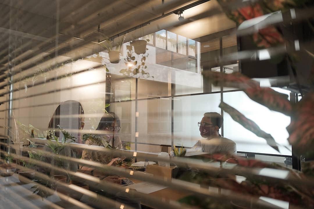 Cara Menata Apartemen Agar Kerja Jarak Jauhmu Menjadi Menyenangkan